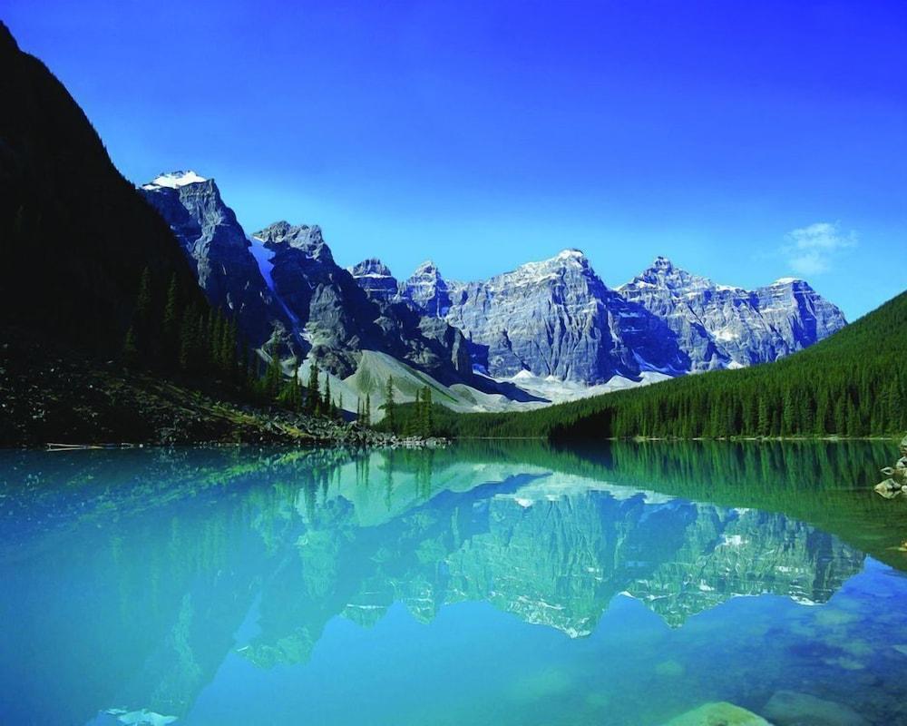 Moraine Lake Lodge Lake Louise Can Best Price Guarantee