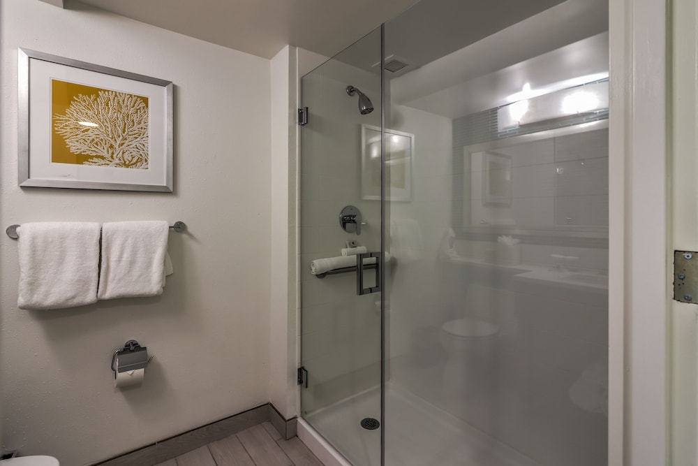 Bathroom Shower, Ocean Place Resort And Spa