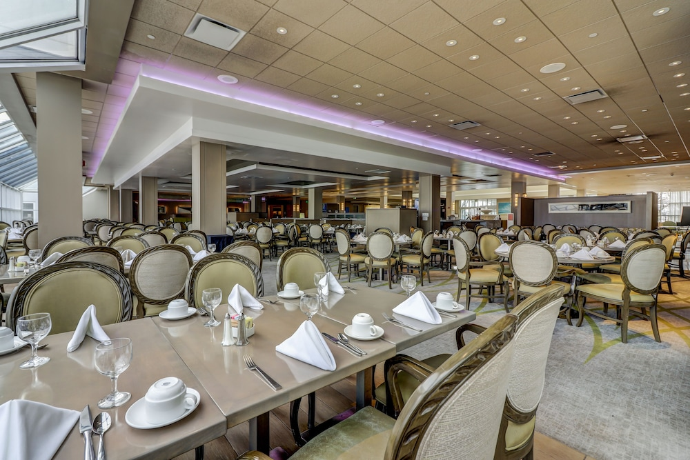 Restaurant, Ocean Place Resort And Spa