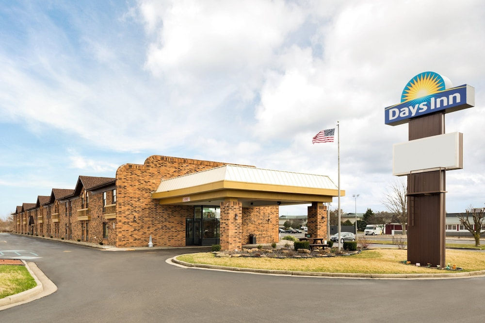 Front of Property, Days Inn by Wyndham Anderson IN