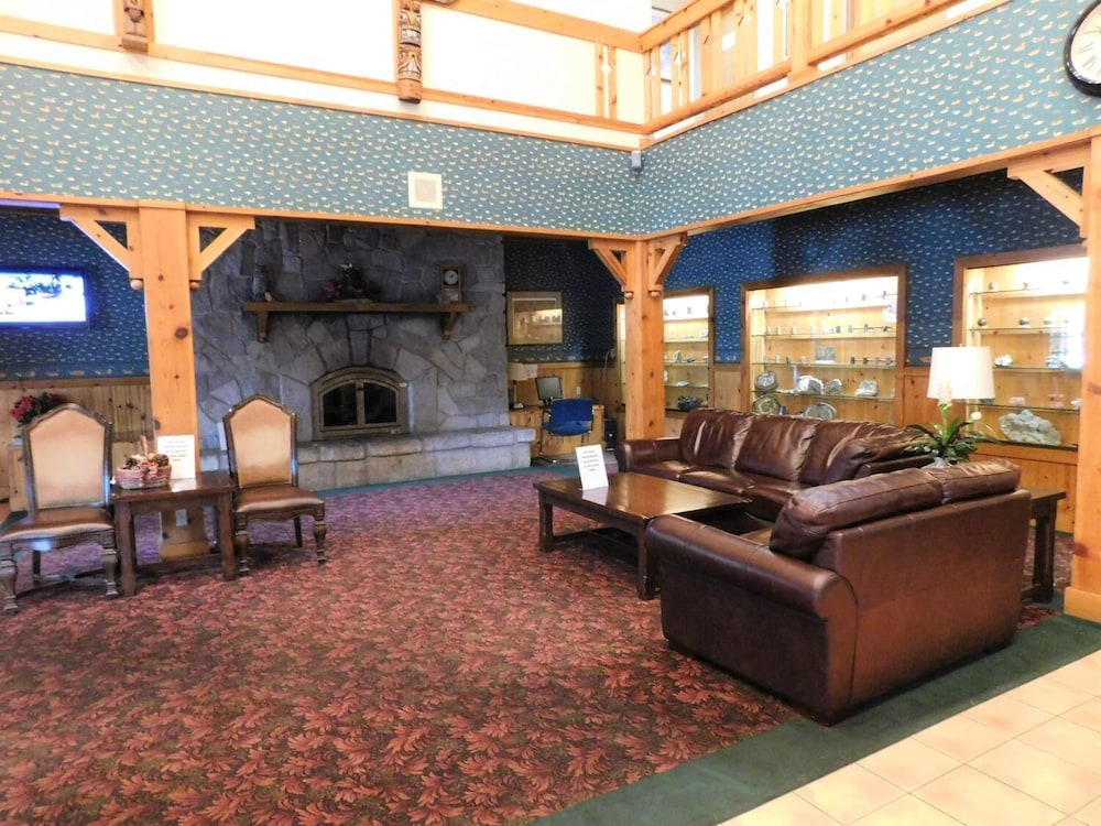 Living Room, Summit Inn