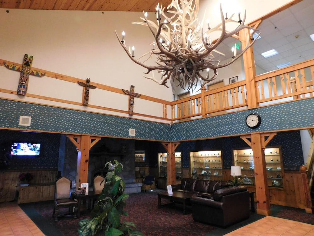 Lobby, Summit Inn