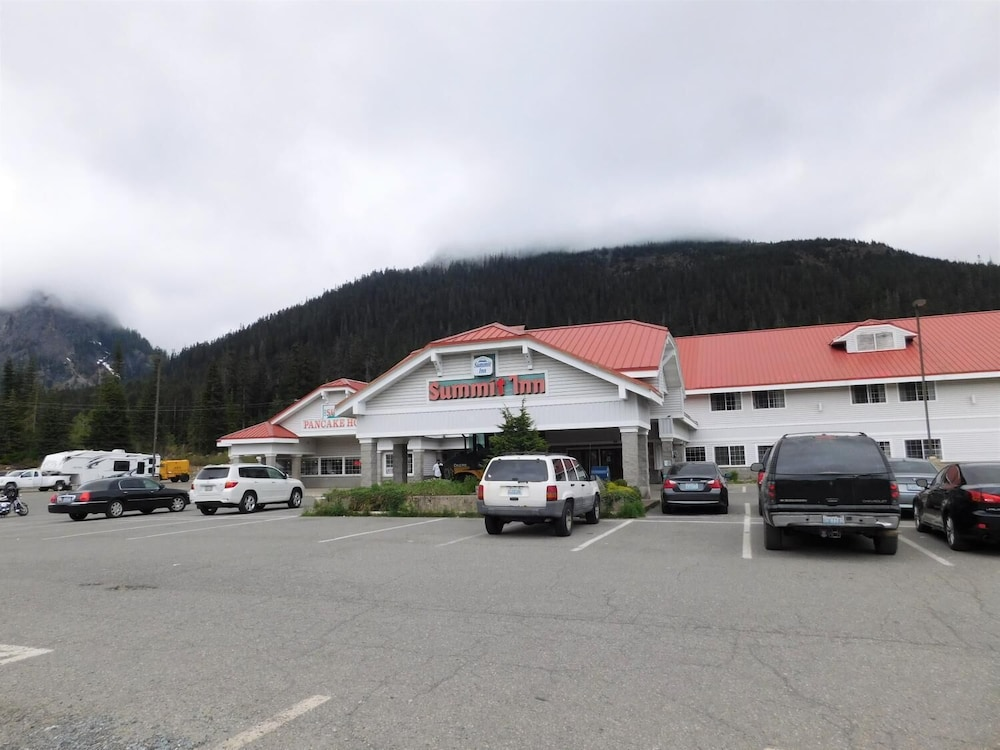 Parking, Summit Inn