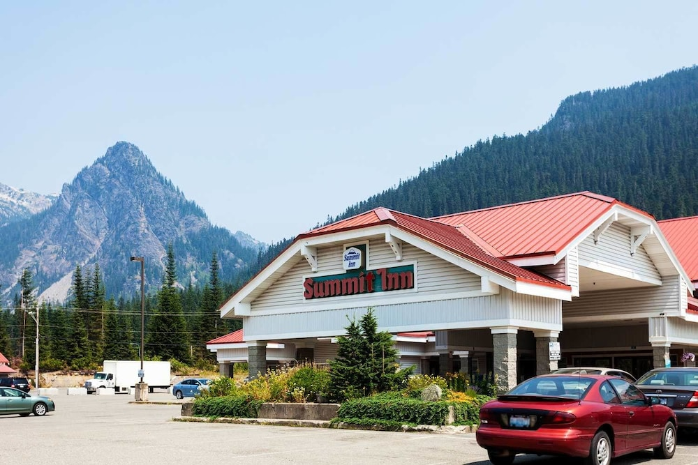Featured Image, Summit Inn
