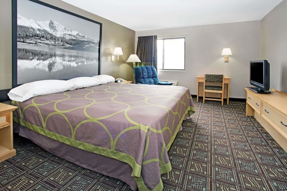 Room, Super 8 by Wyndham Fort Collins