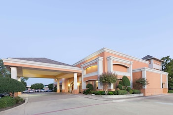 Days Inn Irving Grapevine DFW Airport North