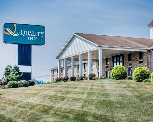 Check Expedia for Availability of Quality Inn Enola - Harrisburg
