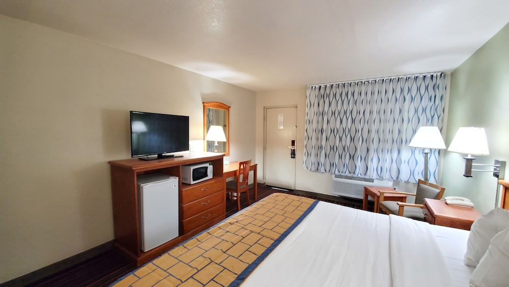Room, Days Inn by Wyndham Roswell