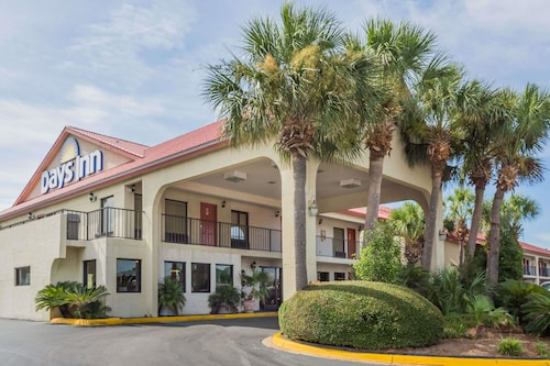 Days Inn by Wyndham Destin