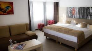 10 Schlafzimmer, hochwertige Bettwaren, Daunenbettdecken