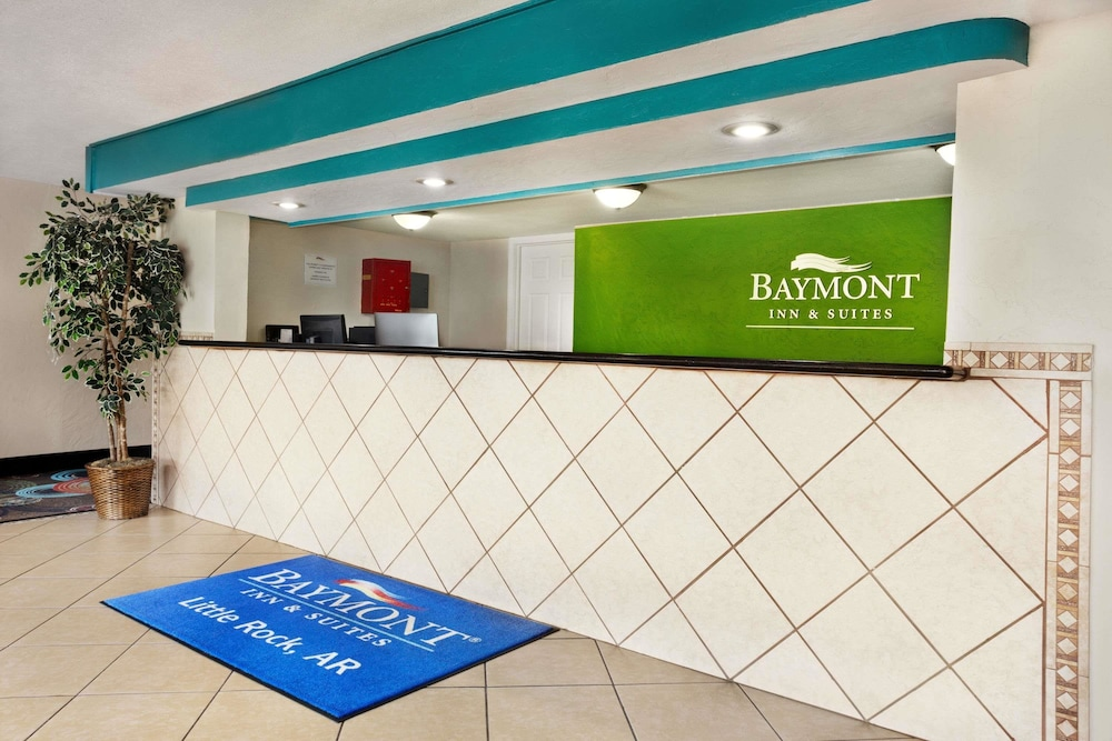 Lobby, Baymont by Wyndham Little Rock