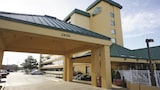 La Quinta Inn & Suites Virginia Beach - Virginia Beach Hotels