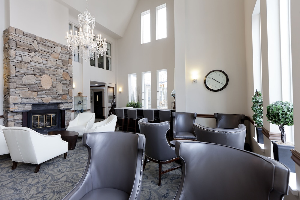 Lobby Lounge, Elm Hurst Inn & Spa