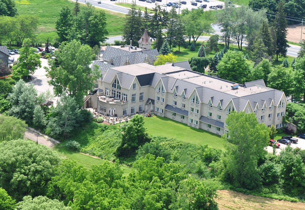 Aerial View, Elm Hurst Inn & Spa