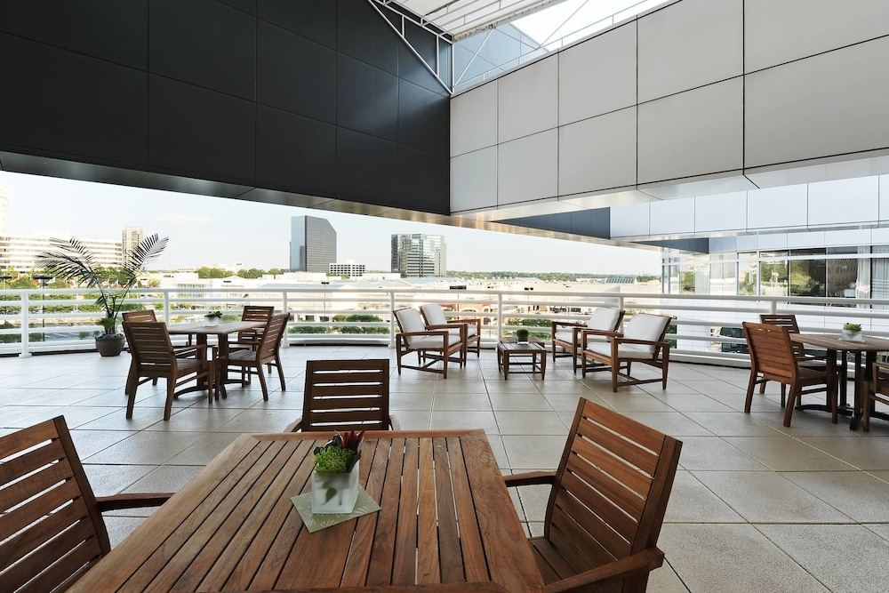 Outdoor Dining, The Westin Buckhead Atlanta