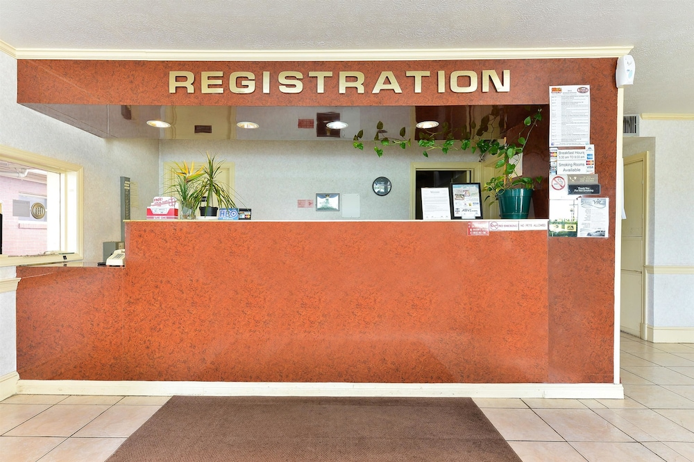 Reception, Americas Best Value Inn & Suites South Boston