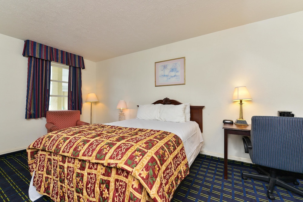 Room, Americas Best Value Inn & Suites South Boston