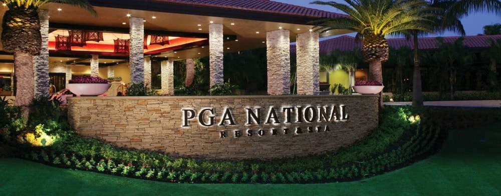 Front of Property - Evening/Night, PGA National Resort and Spa
