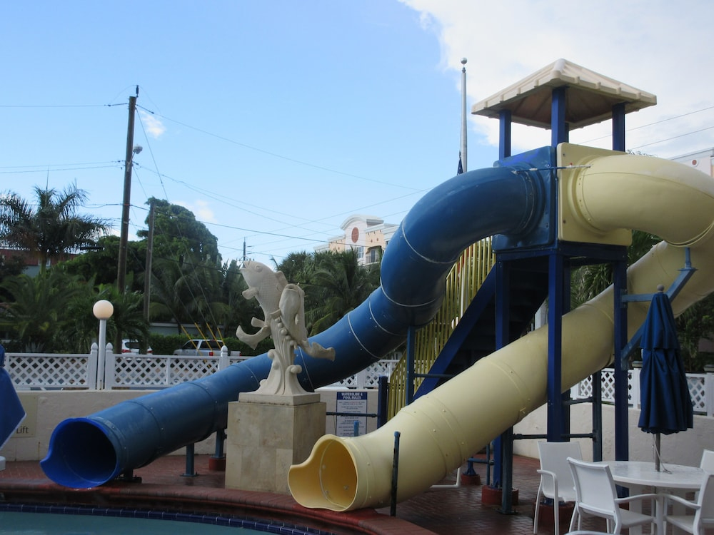 Children's Play Area - Outdoor, Comfort Inn Oceanside Deerfield Beach