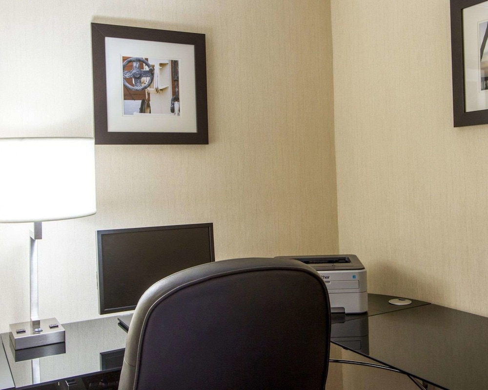 Business Center, Comfort Inn Oceanside Deerfield Beach