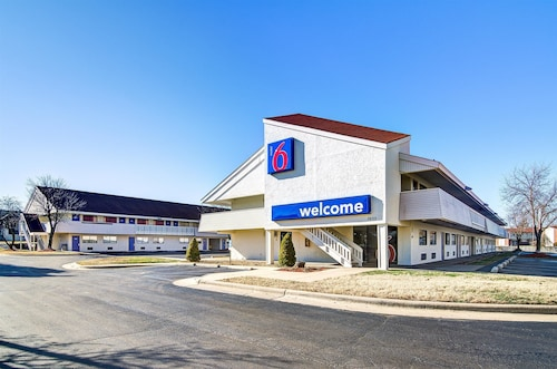 Motel 6 Springfield - North
