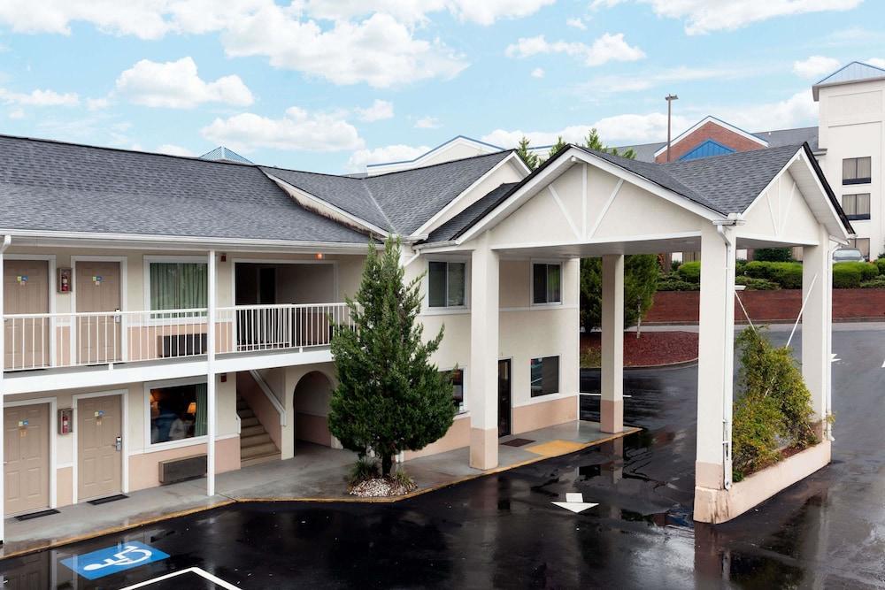 a99b3b401611 Days Inn by Wyndham Dahlonega  2019 Room Prices  75