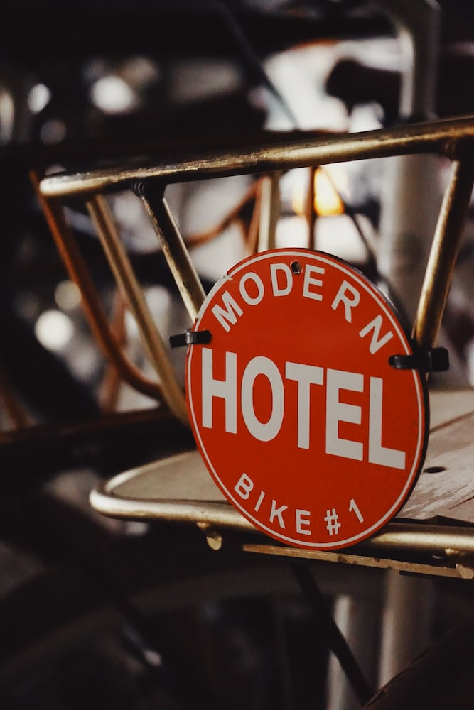 Bicycling, Modern Hotel