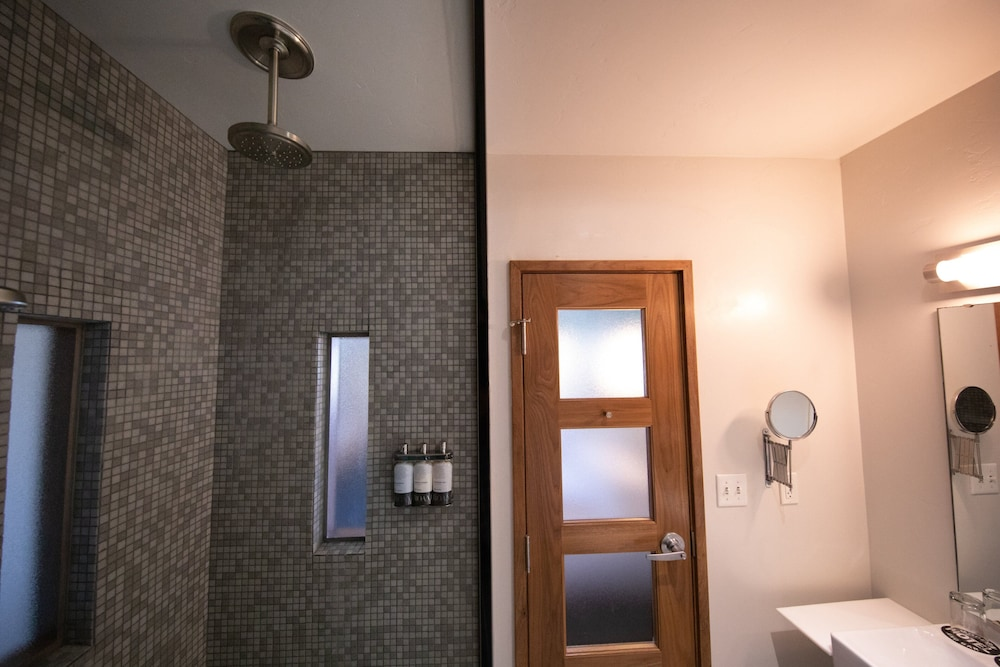 Bathroom, Modern Hotel