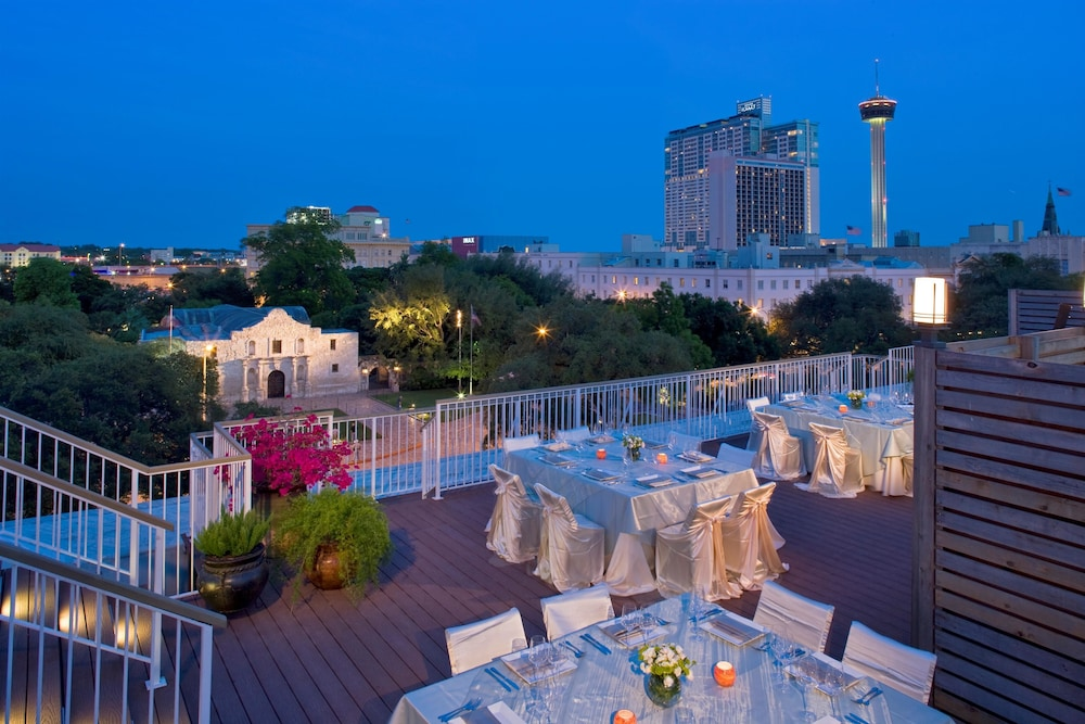 Book Hyatt Regency San Antonio Riverwalk Downtown Hotel Deals