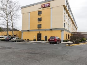 Clarion Hotel Somerset - New Brunswick