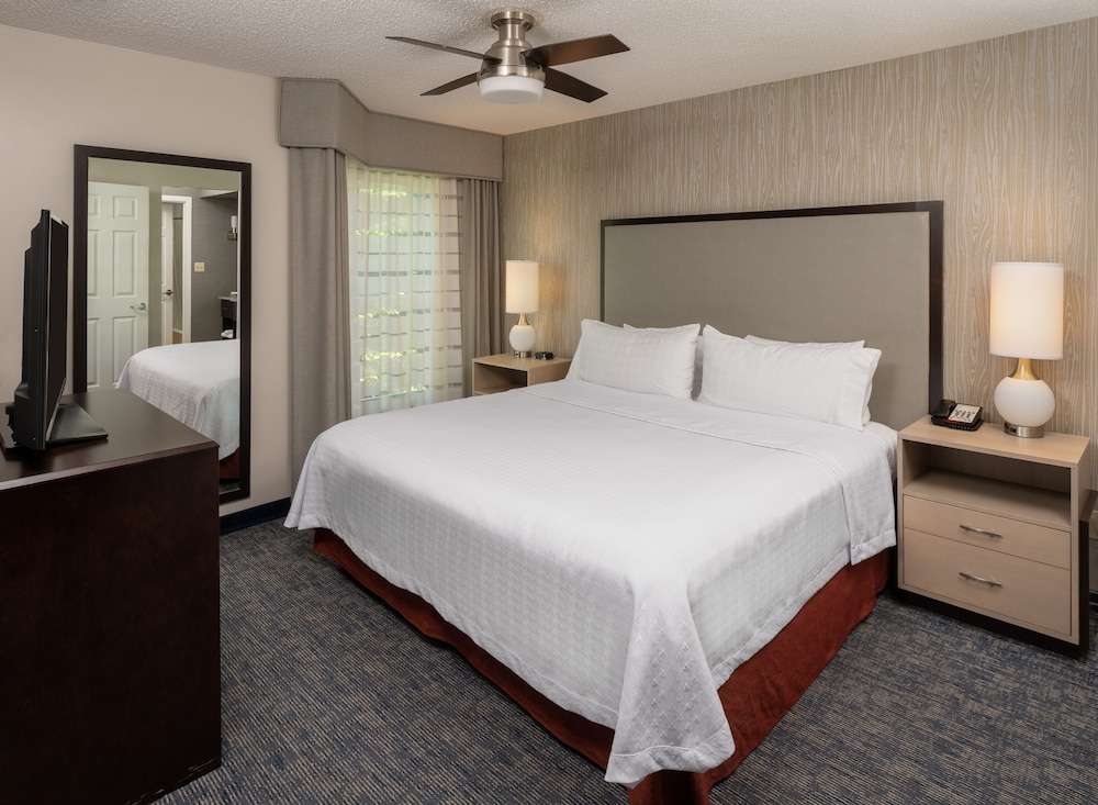 Room, Homewood Suites by Hilton Chicago - Schaumburg