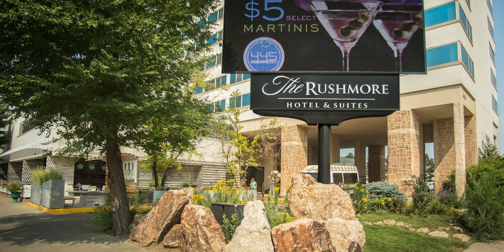 Front of Property, The Rushmore Hotel & Suites, BW Premier Collection