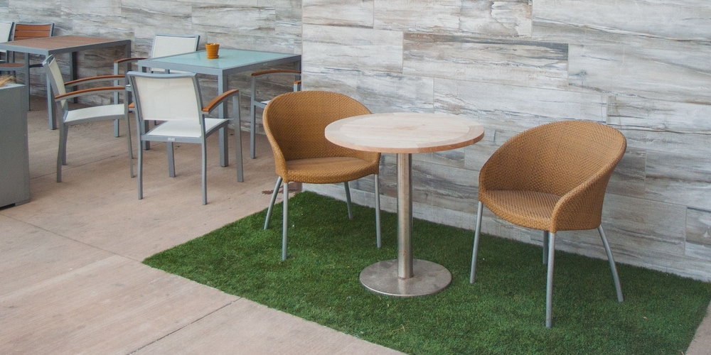 Terrace/Patio, The Rushmore Hotel & Suites, BW Premier Collection