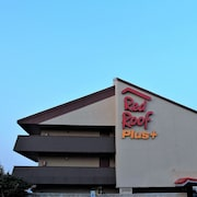 Red Roof Inn PLUS+ Chicago - Hoffman Estates
