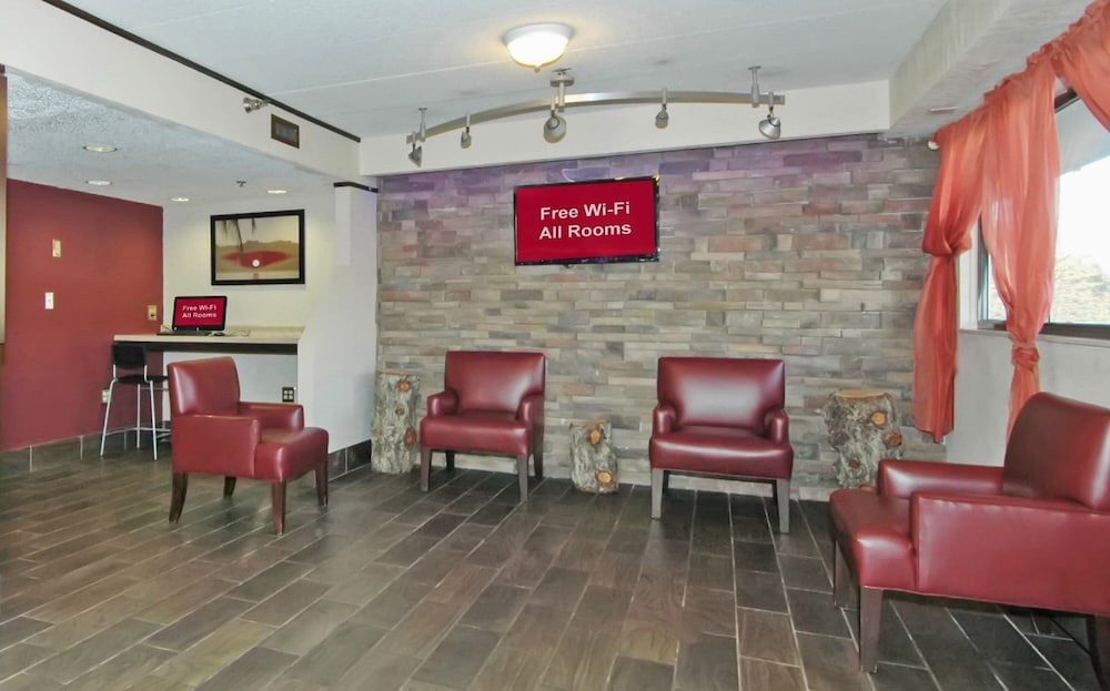Lobby, Red Roof Inn PLUS+ Chicago - Hoffman Estates