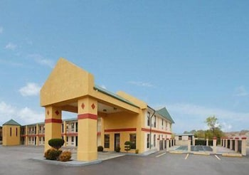 Front of Property, Econo Lodge Brownsville