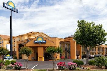 Days Inn by Wyndham Memphis - I40 and Sycamore View