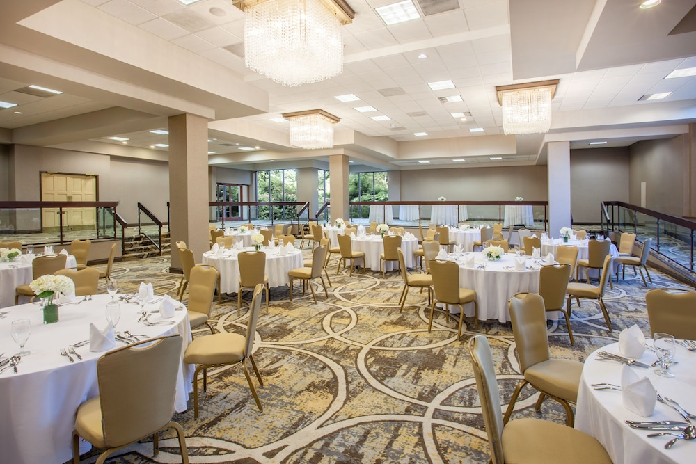 Banquet Hall, Crowne Plaza Memphis East