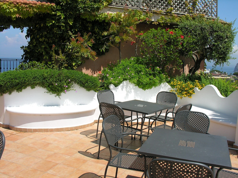 Terrace/Patio, Central Hotel