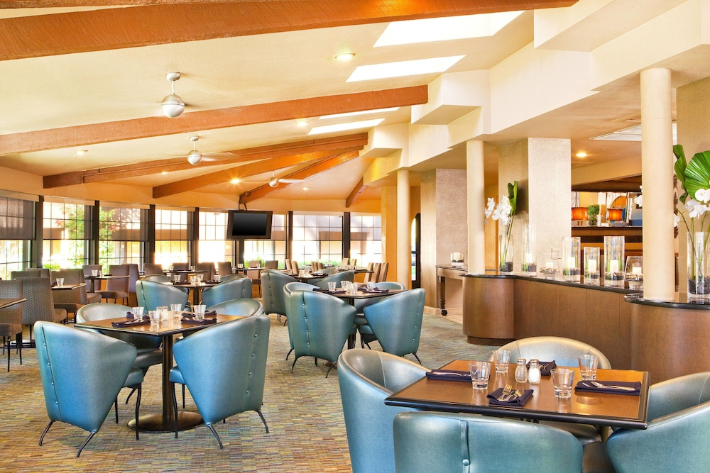 Breakfast Area, Four Points by Sheraton Tucson Airport