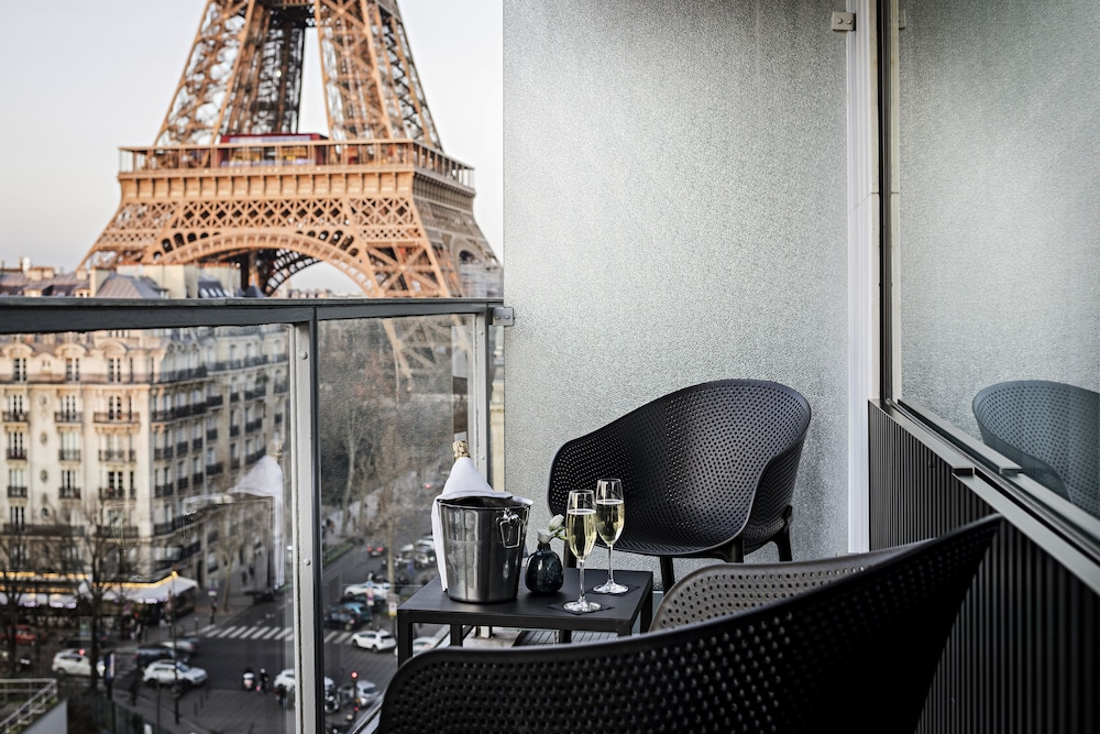 Featured Image, Pullman Paris Tour Eiffel