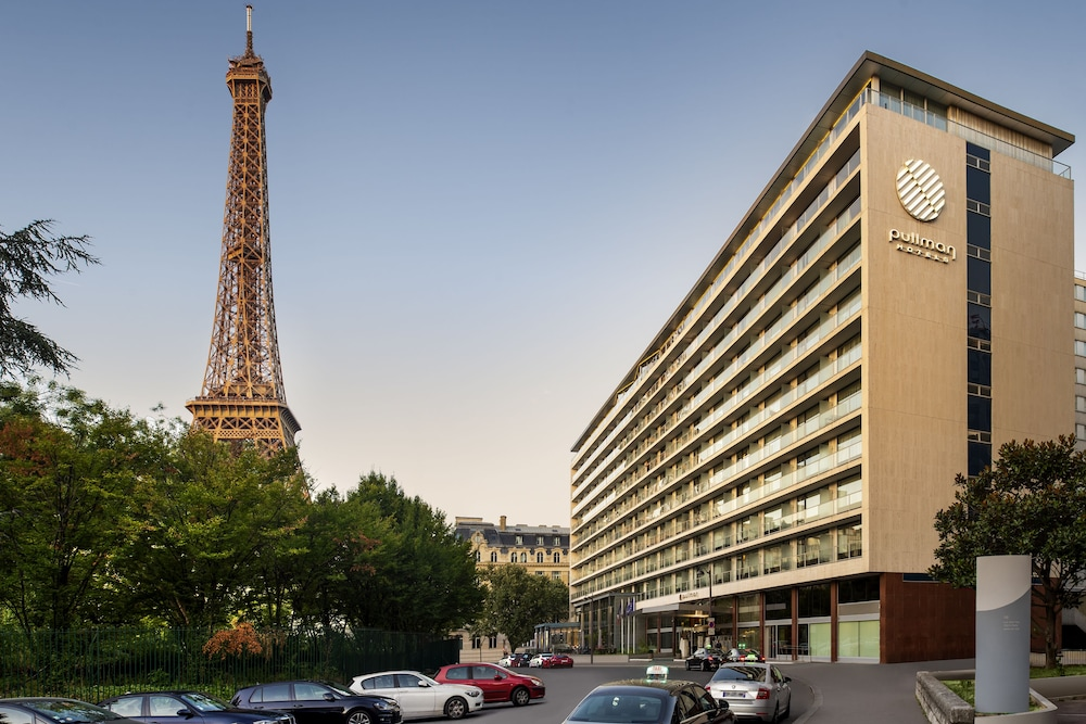 Front of Property, Pullman Paris Tour Eiffel