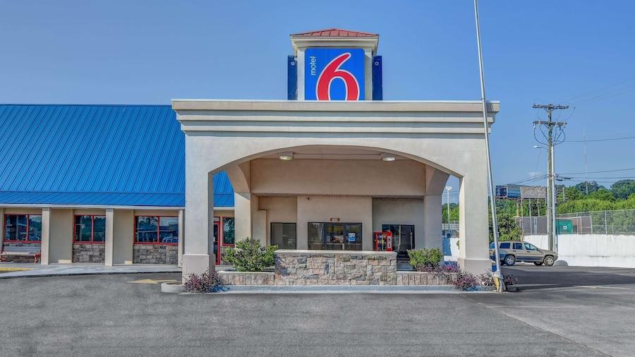 Motel 6 Calhoun, GA