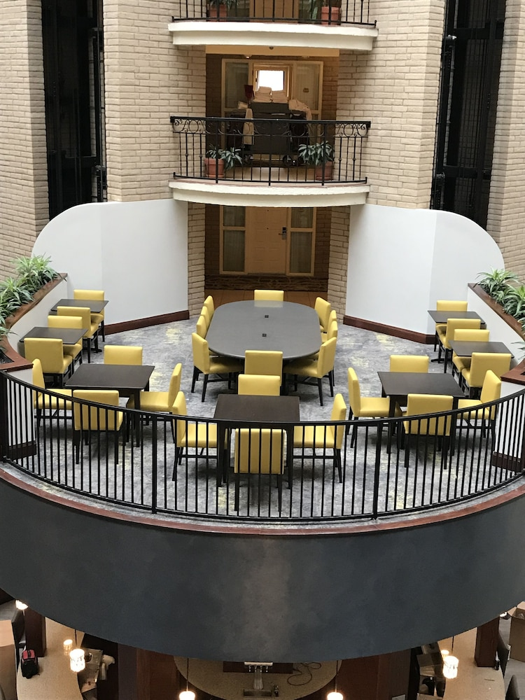 Lobby Sitting Area, Embassy Suites by Hilton - Dallas Park Central Area