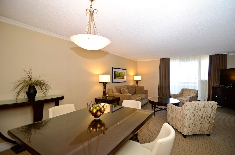 book albert at bay suite hotel ottawa hotel deals