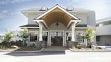 Pismo Lighthouse Suites - Pismo Beach Hotels