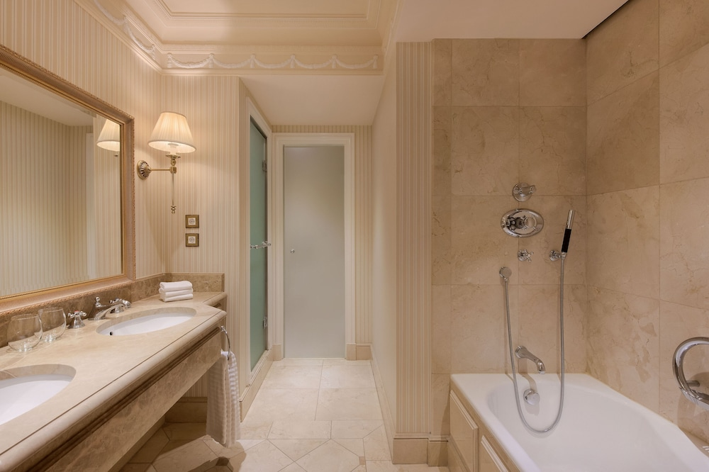Bathroom, The Westin Palace, Madrid