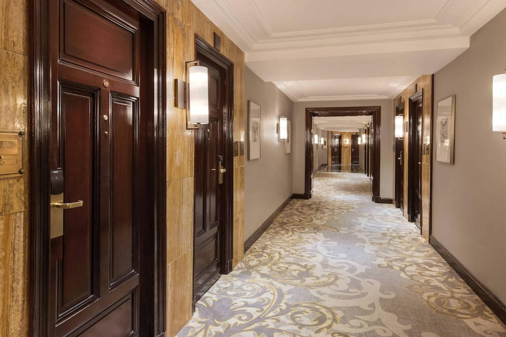 Hallway, The Westin Palace, Madrid
