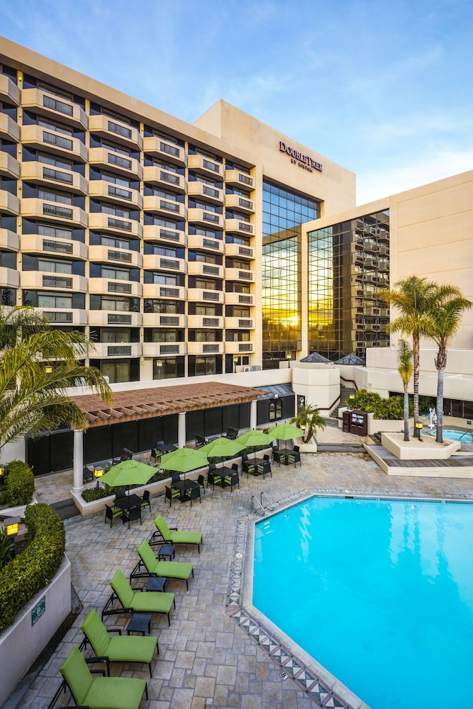 Outdoor Pool, DoubleTree by Hilton San Jose