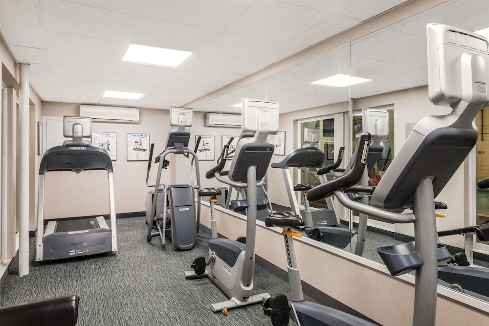 Fitness Facility, Howard Johnson by Wyndham Middletown Newport Area
